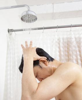 薄毛対策に「湯シャン」のススメ 〜まずはシャンプーとの併用から始めよう!〜